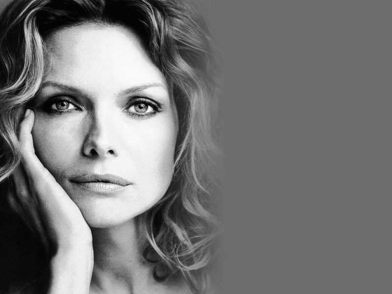 michelle-pfeiffer-wallpaper-3