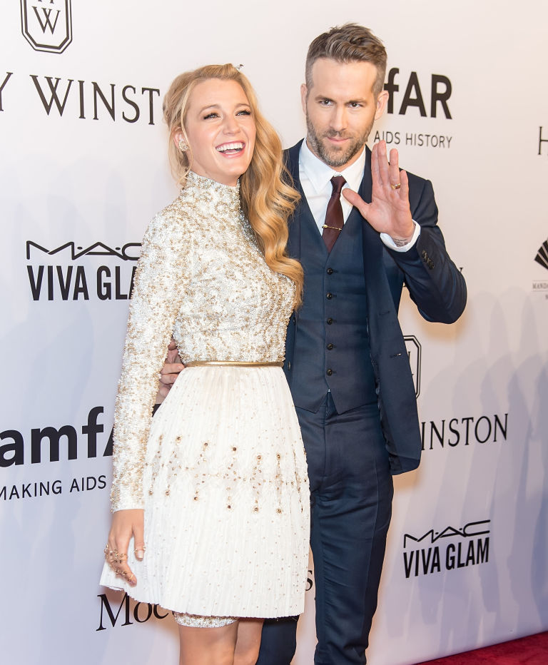 gallery-1459189687-celeb-couples-age-blake-lively-ryan-reynolds